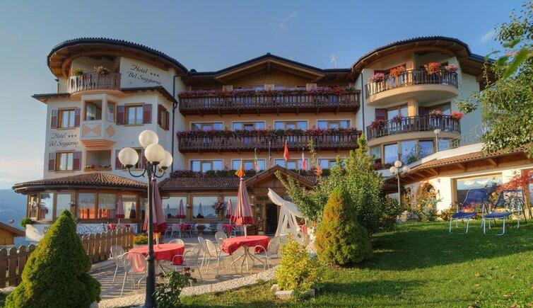 Hotel belsoggiorno malosco hotel 3 stelle trentino for Malosco hotel bel soggiorno